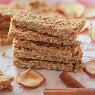 Apple Cinnamon Granola Bars | Destination Delish